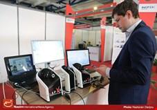 سرعت و رشد توسعه الکترونیک در ایران منطقی نیست/ 80 درصد کسب و کارهای آی تی در تهران است