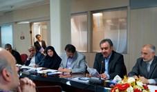 حضور همزمان رییس موسسه عالی آموزش بانکداری ایران در شرکت سرمایه گذاری غدیر!