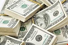 دلار در آغاز هفته ۱۰ هزار تومان شد/ چاره اندیشی مسئولان برای دلالان ارزی فضای مجازی
