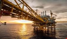رویترز: ترور سردار سلیمانی قیمت نفت را افزایش داده و روند افزایش قیمت همچنان ادامه دارد