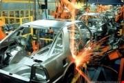 قیمتها در بازار خودرو توسط فروشندگانی تعیین میشود، که خودرو در اختیار دارند/ خودروسازان تمرکزشان را روی خودروهای معوق گذاشتند